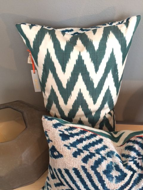 Product of the week: IKat-Cushion 40x65 cm in silk green/creme zigzag and velvet petrol/creme fischgrat by ananeo - handmade in Munich #ananeo #cushion #handmade #munich #decoration #ikat #silk #velvet #interiordesign #living #lifestyle #bensstore