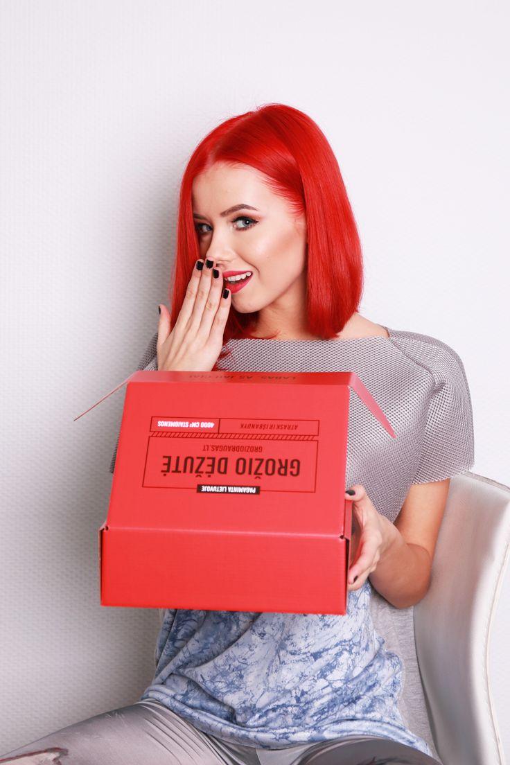 Grožio Dėžutė - secret inside every box. Full of cosmetics and surprises. Can't wait to see what's inside!#beautybox #groziodezute #raudonadezute #groziodraugas #photoshoot #redhairdontcare #red #surprise