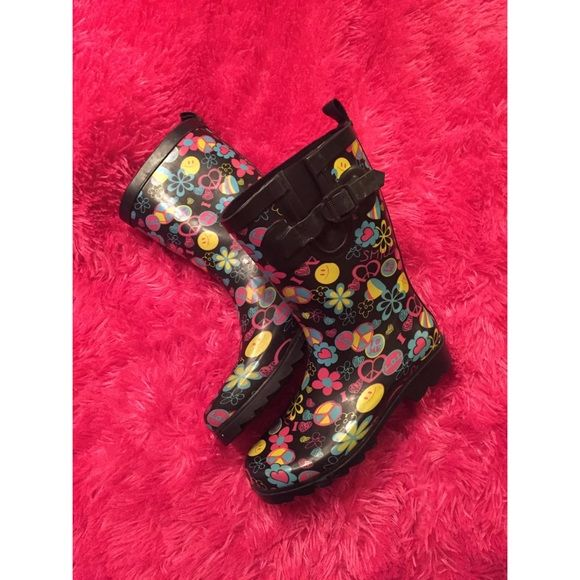 kids rain boots solid black rain boots with phrases and shapes shown in the pictures. great condition..only worn two times. great durable rain boots for a child.☔️ capelli new york Shoes Winter & Rain Boots