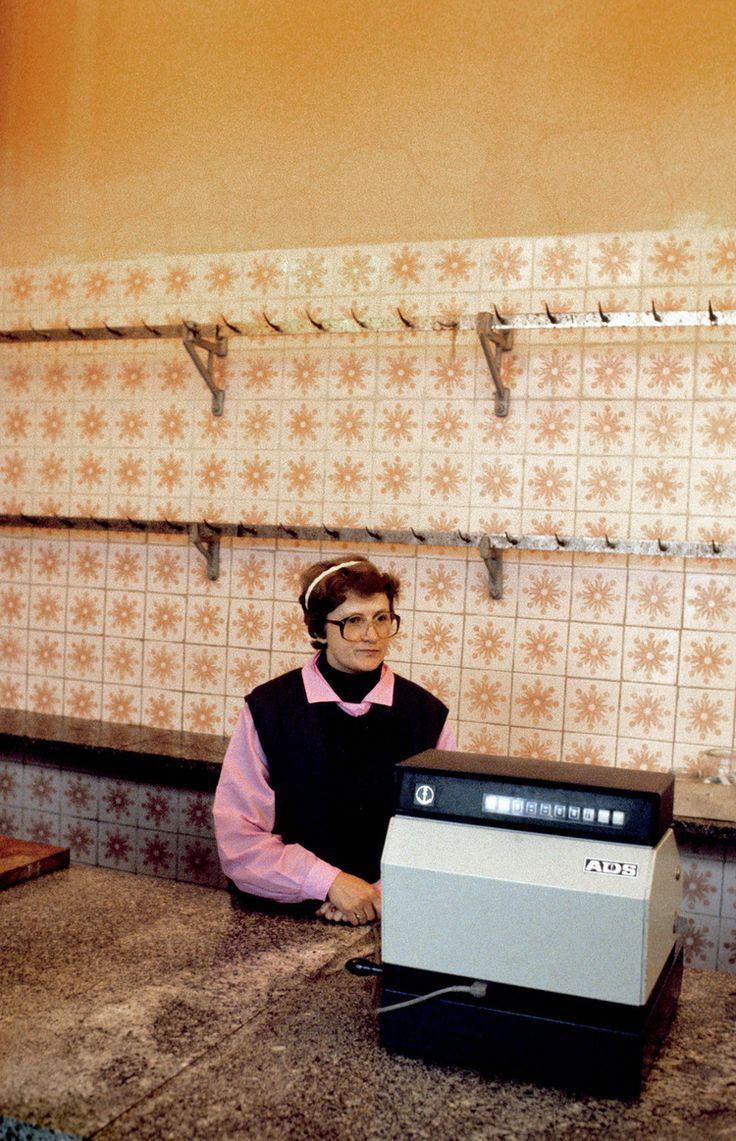 Sklep_miesny_Warszawa_1982_fotograf_Chris_Niedenthal.jpg