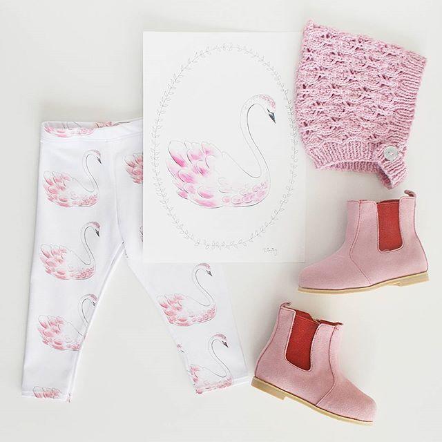 Baby leggings, toddler leggings, childrens clothing. Organic made in Australia Swans leggings. La la Kids boots.