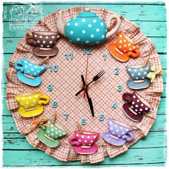 Horloge murale de cuisine Service à thé Horloge café Théière et tasses à thé Heure du thé Mur rond. Cadeau de fête des mères. Faire pour commander