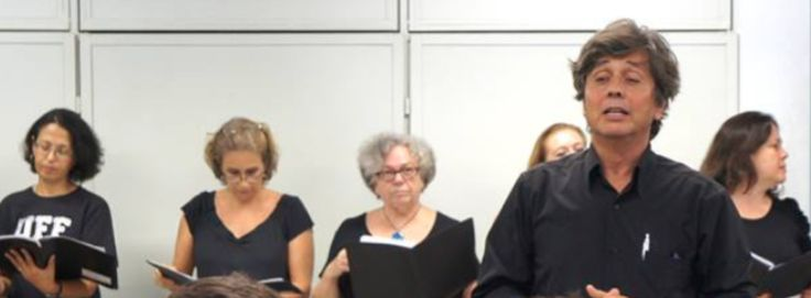Marcio Selles, da Orquestra da Grota, é premiado na Alerj