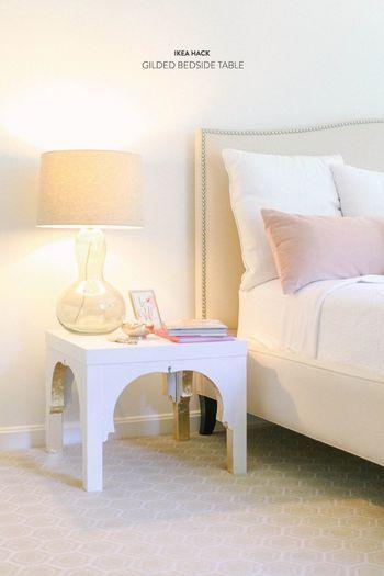 こんな素敵なベッドサイドテーブルになります! 好みに合わせてペイントする色を変えてもいいですね。
