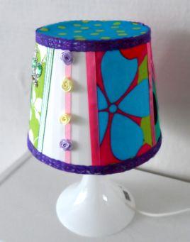 Leuk voor een kinderfeestje: je eigen lamp pimpen.