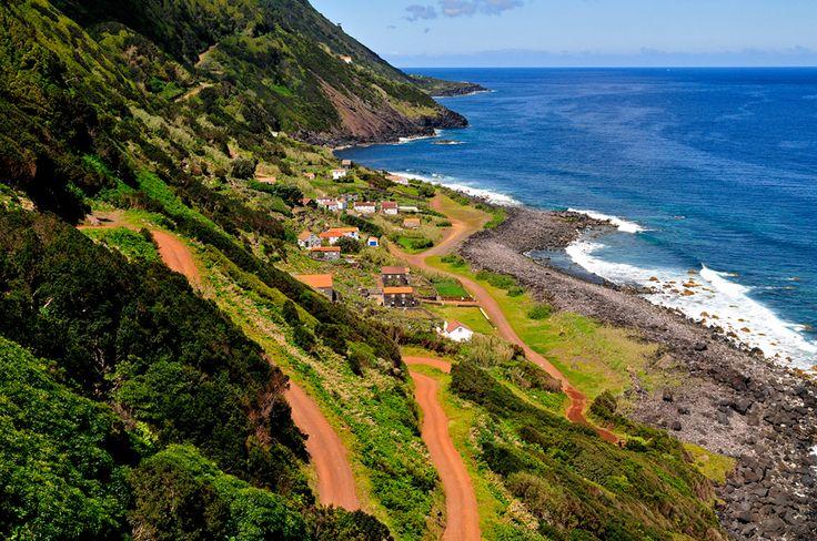 SIARAM :: Paisagem da ilha de São Jorge, Sao Jorge Island, Azores, Portugal