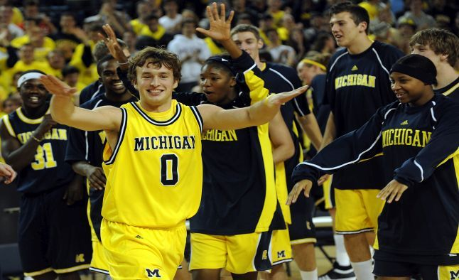 Our #NCAA basketball analyst breaks down Wednesday's NCAA Tournament game between #Tulsa and #Michigan. Go inside in order to give yourself a best chance of making a winning bet. http://www.sportsbookreview.com/ncaa-basketball/free-picks/strength-schedule-makes-michigan-4-our-ncaa-basketball-pick-over-tulsa-a-70539/