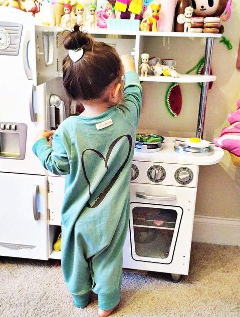 Ennivaló kis egyberészes ruha , pizsamának, vagy játszóruhának - girl fashion…