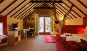 Cottages for Couples, Distinctive Luxury Cottages for Romantic Breaks in West Cork  » Treehouse 2 at Grove House