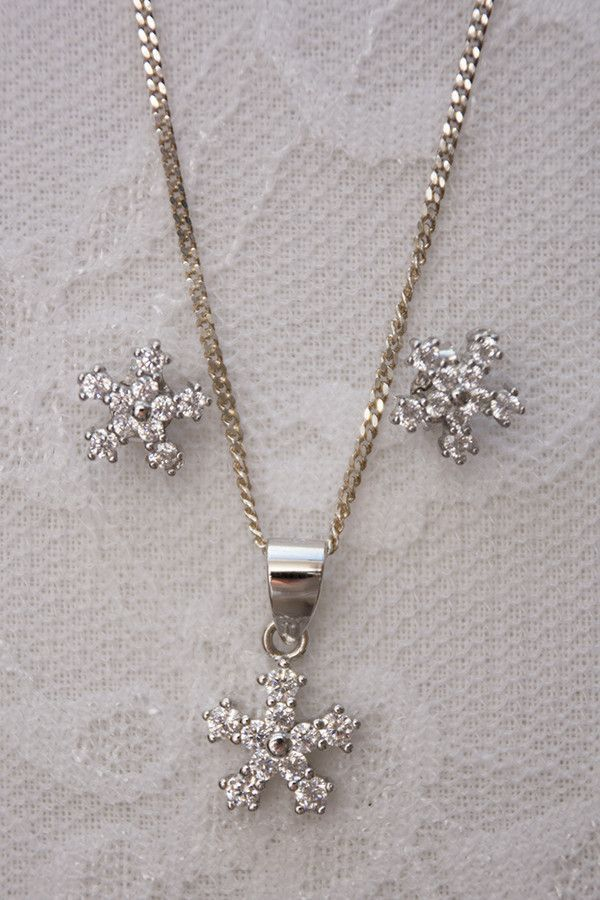 925 Sterling Silver Set Snowflake Earrings and Pendant on Chain