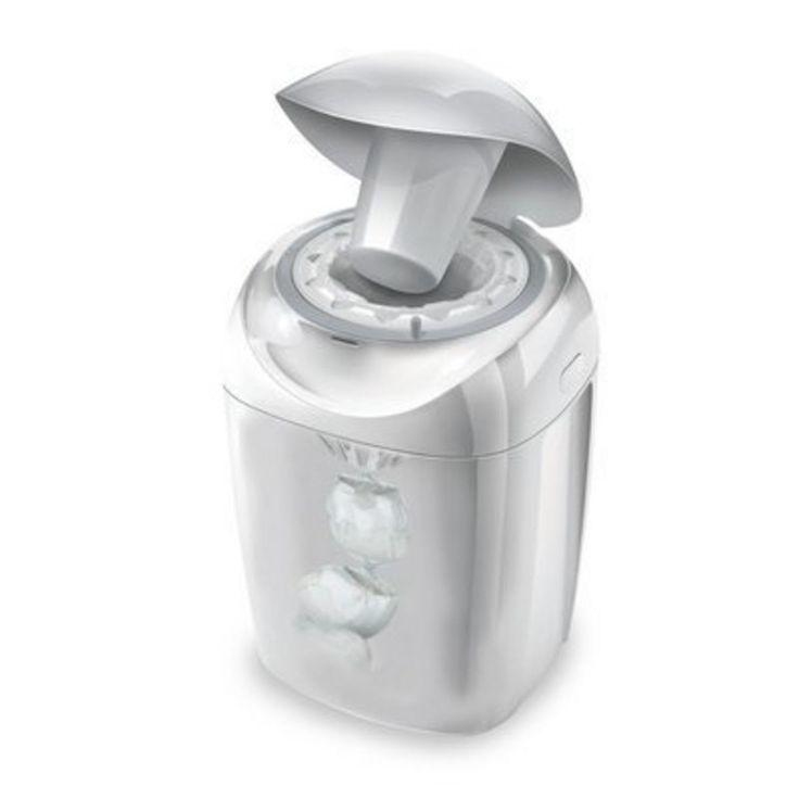TOMMEE TIPPEE Le seau à couches Windeltwister Sangenic tec poubelle TOMMEE TIPPEE : prix, avis & notation, livraison. Le modèle Komfort de Sangenic emprisonne les couches dans le film antibactérien par un mouvement de rotation : une technique garantissant une hygiène et un contrôle des odeurs optimum. Ce système de poubelle à couches unique et breveté permet pour ainsi dire de neutraliser les germes et odeurs en un tour de main ! 1) La fonction Twist-...