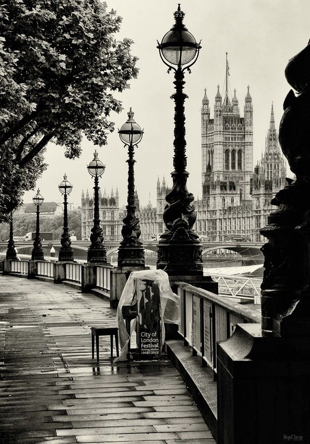 London Embankment #bw @blackwhitepins