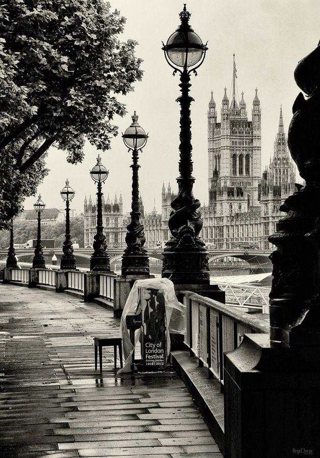 London Embankment #bw @blackwhitepins