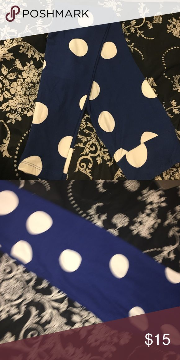 Lulu roe leggings Blue lulu roe leggings with whit polka dots. Super soft and comfy Pants Leggings