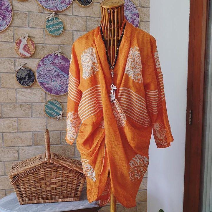 Bolero Two Side nof  Size Fit S-XXL P.Baju:105cm P.Tgn:45cm  Material:Batik . . CP  LINE @bebatikanjogja (pakai '@')  WA 081904019099 (slow response)  Toko Baju Batik Modern | http://ift.tt/2flJQTw
