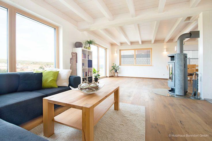 hell und lichtdurchflutet ist der sch ne koch ess wohnbereich des hauses die wirkung wird durch. Black Bedroom Furniture Sets. Home Design Ideas