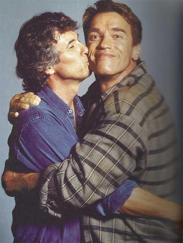 Paul Verhoeven and Arnold Schwarzenegger on set of Total Recall (1990).