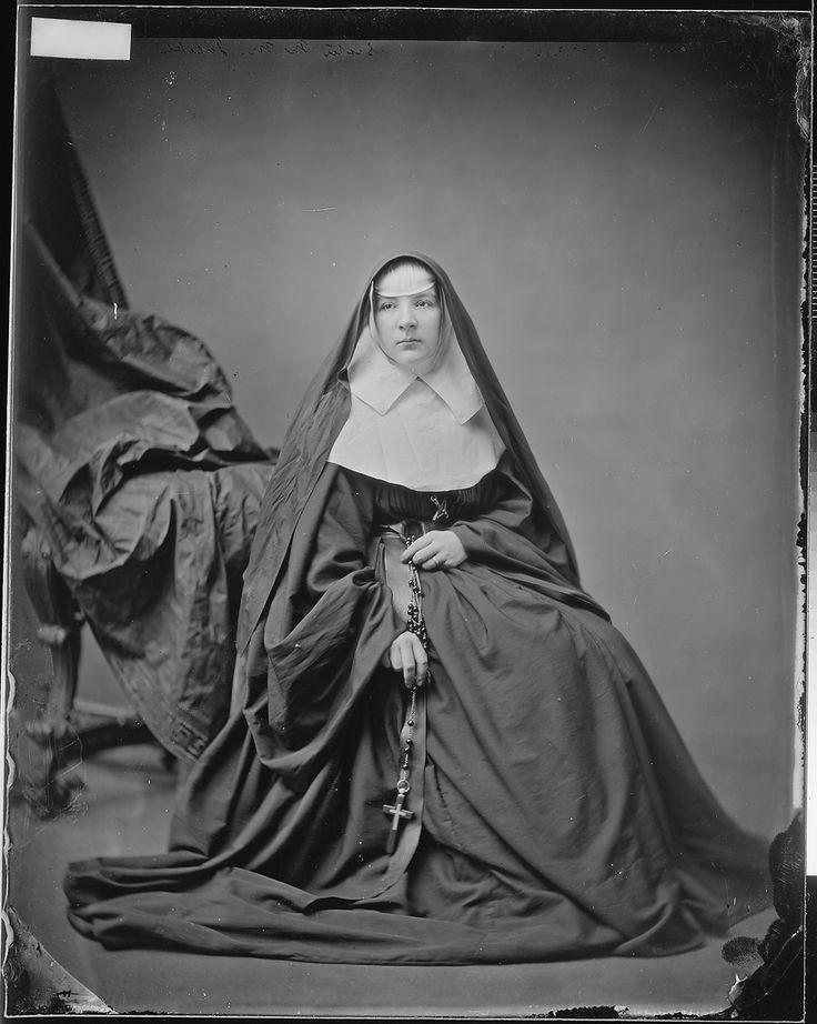 Catholic nuns and priest 8