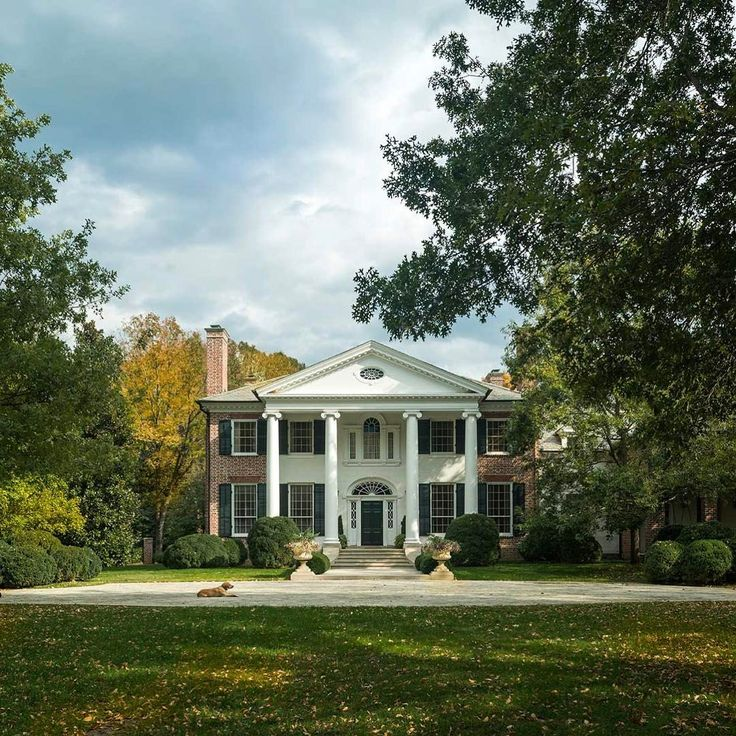 """328 Me gusta, 7 comentarios - Ken Tate (@kentatearchitect) en Instagram: """"Federal classical revival house we did many years ago in Nashville in the beautiful Belle Meade…"""""""