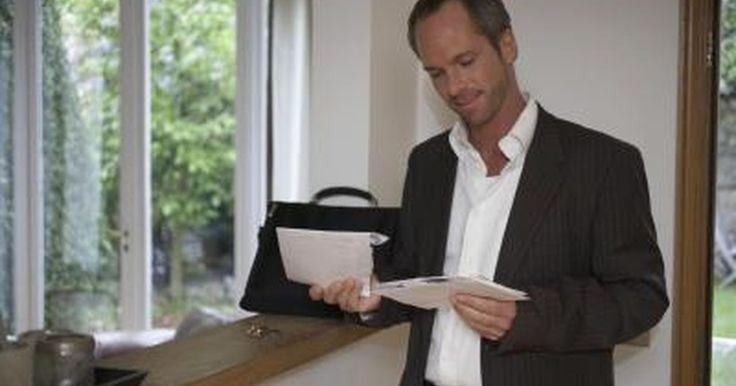 Cómo escribir una carta solicitando una reunión. La escritura de cartas formales y de negocios es por lo general desalentadora. Se siente como si se estuviera escribiendo en un nuevo idioma sólo para hacer una solicitud. Pedirle a alguien que se reúna contigo puede ser más desafiante si no conoces a la persona. Antes de comenzar a escribir una carta solicitando una reunión, escribe en una hoja ...