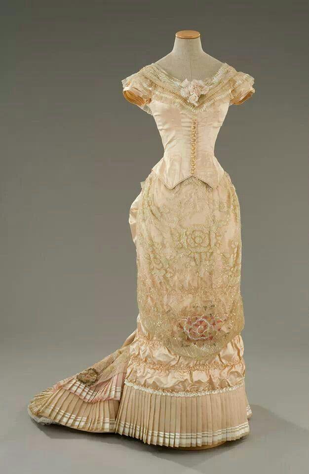 projet:  ~Robe 1878/1879~ Natural form