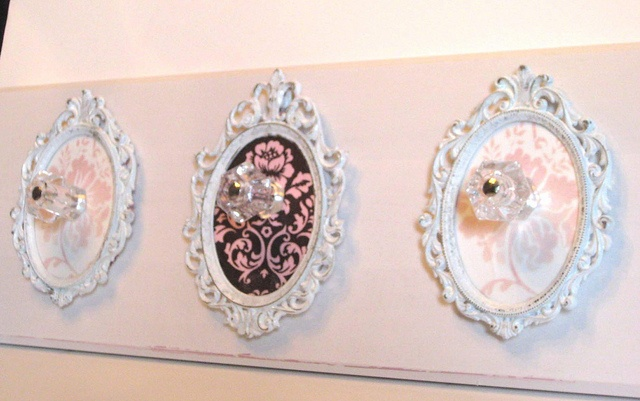 Shabby Chic Rack - for jewelry or scarves!