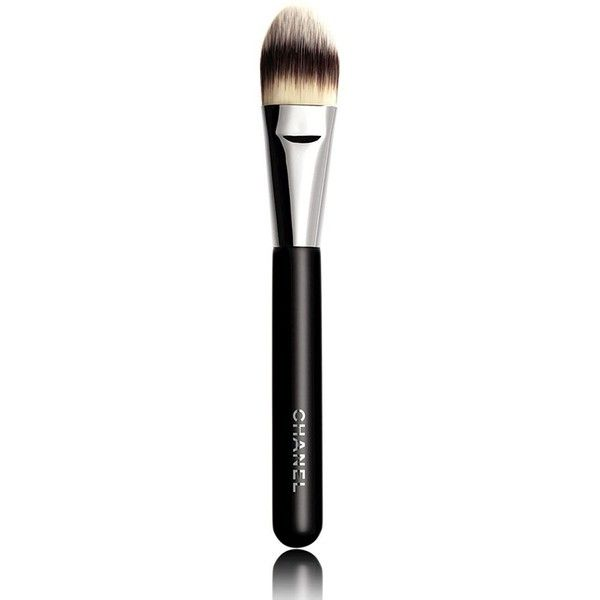 CHANEL PINCEAU FOND DE TEINT Foundation Brush #6 ($45) ❤ liked on Polyvore featuring beauty products, makeup, makeup tools, makeup brushes, beauty, no color, chanel, foundation makeup brush, foundation brush and chanel makeup brushes