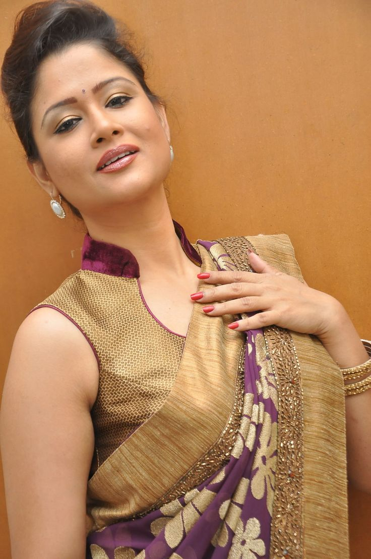 Modern saree models the  best images about sarees u blouses on pinterest  simple