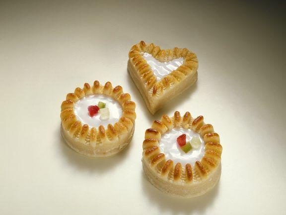 Königsberger Marzipan ist ein Rezept mit frischen Zutaten aus der Kategorie Marzipantorte. Probieren Sie dieses und weitere Rezepte von EAT SMARTER!