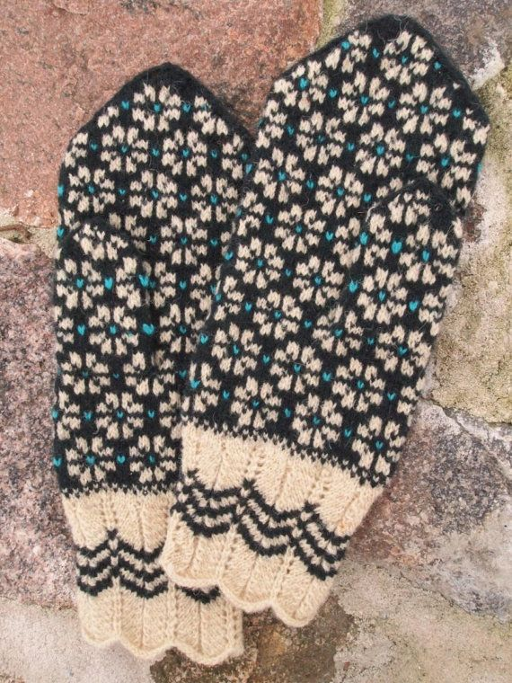 Finely Knitted Estonian Mittens in blue by NordicMittens