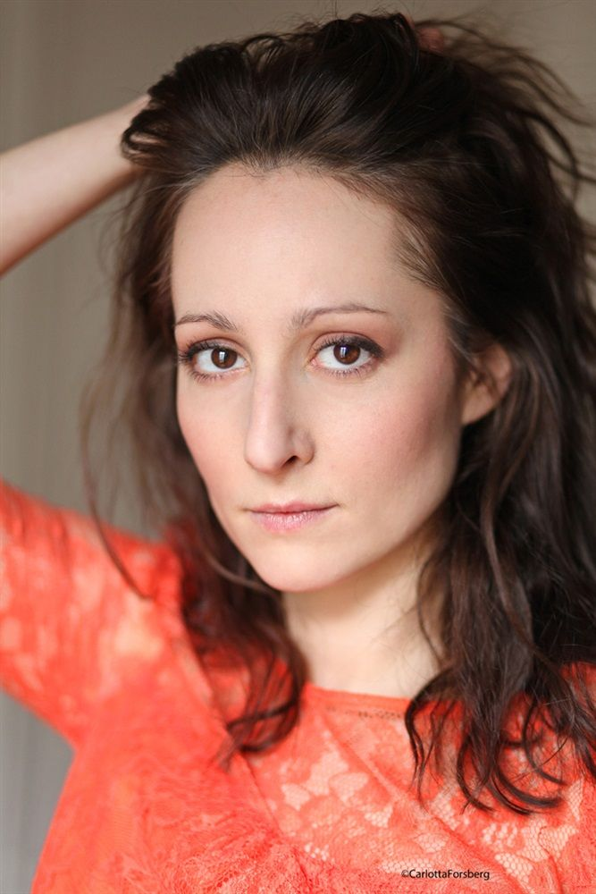 Anne-Camille LEHEUZEY-BANSAT- Fiche Artiste  - Artiste interprète,Auteur,Metteur en scène - AgencesArtistiques.com : la plateforme des agences artistiques