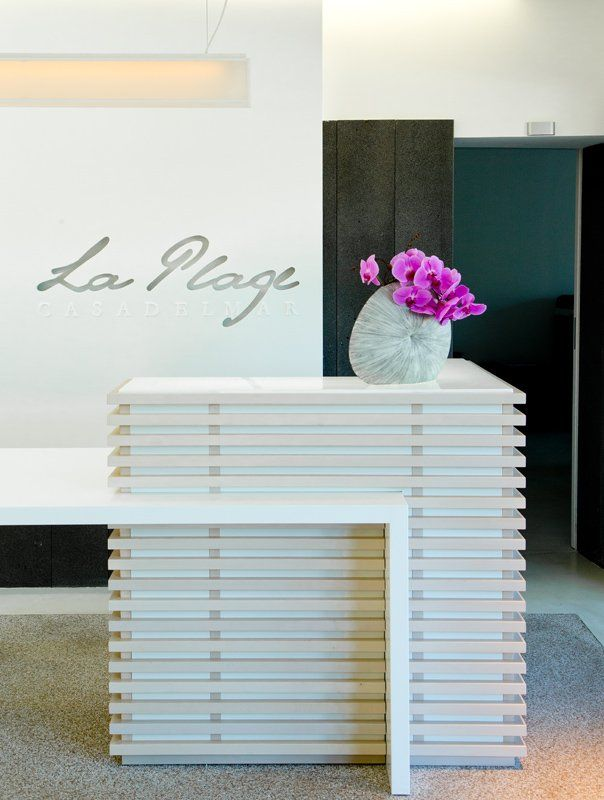 533 best images about reception desks on pinterest receptions reception desks and office. Black Bedroom Furniture Sets. Home Design Ideas