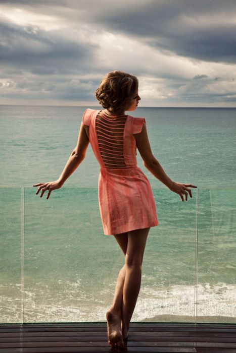 cute/different: Summer Dresses, Back Dresses, Backless Dresses, The Ocean, The View, The Dresses, Cut Outs, Open Back, Back Details