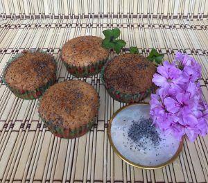 Muffin all'arancia e semi di papavero - Orange muffins with poppy seeds