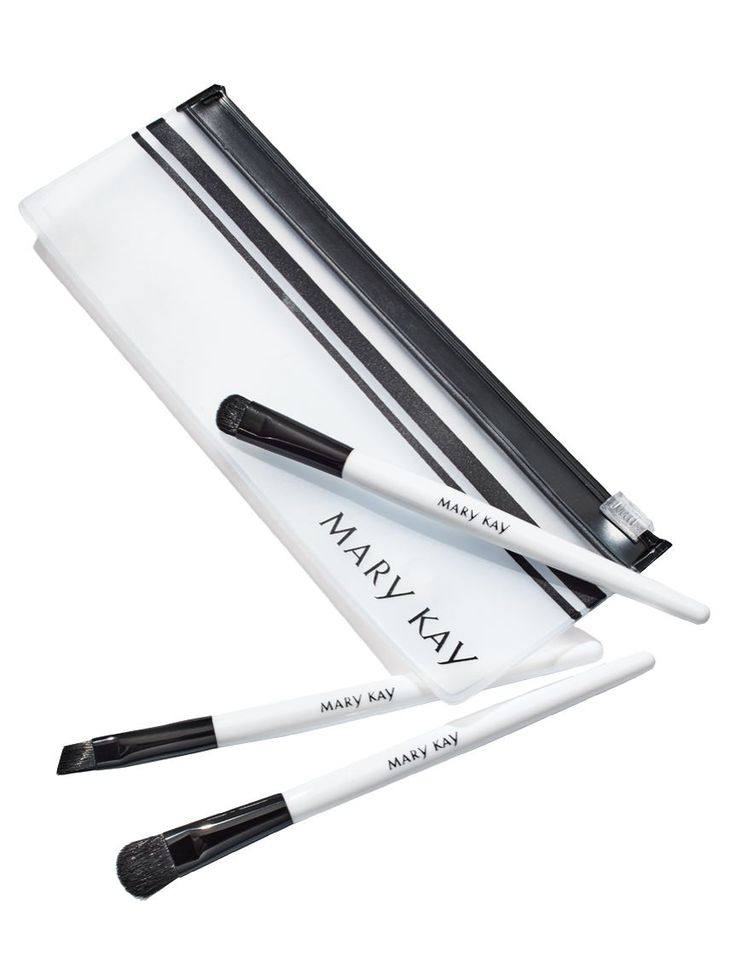 Limited-edition Mary Kay Mini Eye Brush Set is the perfect stocking stuffer for all your beauty enthusiasts!