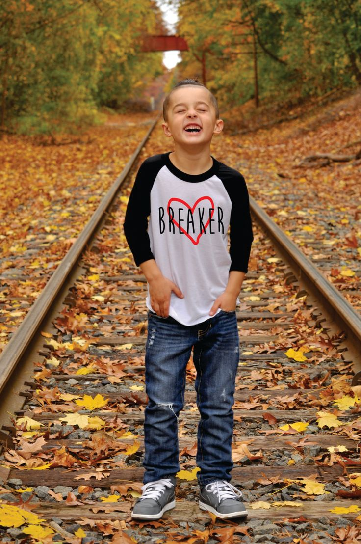 How cute is this Valentine's Day shirt for your little one? Raglan style tee is 3/4 sleeves. Available in Sizes: 6-12 months 12-18 months 18-24 months 2T 4T 6T 8T
