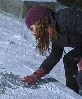 More great links to Hermione Granger knits! I know what I'm making Gracie for christmas!