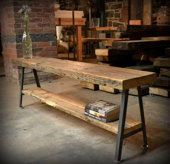 Bänke aus geborgenem Holz und recyceltem Eisen mit A-Rahmen. $ 220.00, via Etsy. #WoodWorking