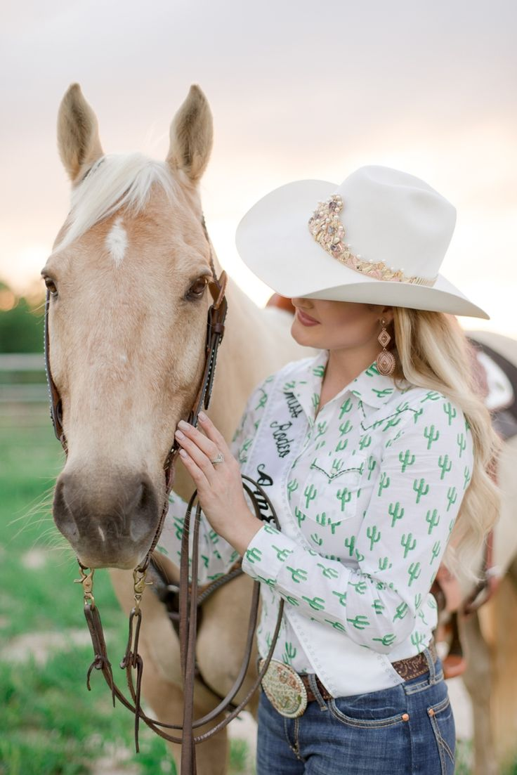 It was an honor and absolutely privilege to photograph Lisa Lageschaar, Miss Rodeo America 2017 & Miss Rodeo Texas, and her horses Biscuit & George at Top Rail Cowboy Church in Greenville, Texas.
