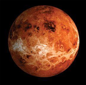 Planète Vénus. 2ème planète en partant du Soleil. Pas de satellite. Diamètre à 95% celui de la Terre. Atmosphère 96,5% Dioxyde carbone + 3,5% Azote. Nuages de Dioxyde soufre + Acide sulfurique + Cristaux glace. Surface 465°. Pression 91 fois celle sur Terre.