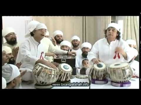 In under 5 minutes, Zakir Hussain demonstrates some of his core repertoire in an oh so sweet teental solo performance. Enjoy!