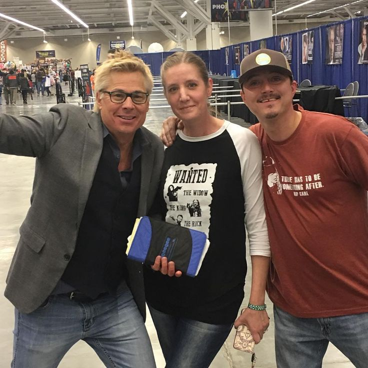 Ok #WWCleveland Day 2 is starting soon!! Come visit us at Booth 308 for all original designs hand screen printed 100% by yours truly:) #SupportSmallBusiness #ConLife #WeAreReadyForTheFun! (Yes this is #WizardWorld MC Kato Kaelin we are with)  - Use code witblade at checkout for 10% off Wizard World 2018 tickets!