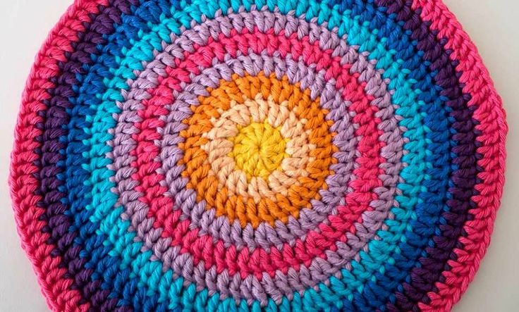 Crocheting In A Circle Pattern : crochet circle mandala round ten