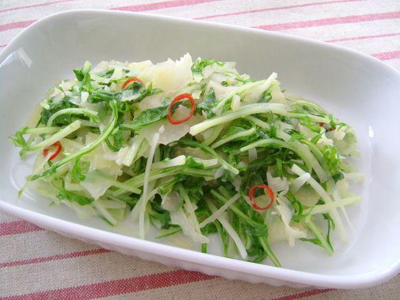 セロリと水菜のペペロンチーノ