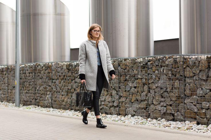 Oversizowy, wełniany płaszcz. Oversize, woolen coat. http://www.bee.com.pl/e-sklep/