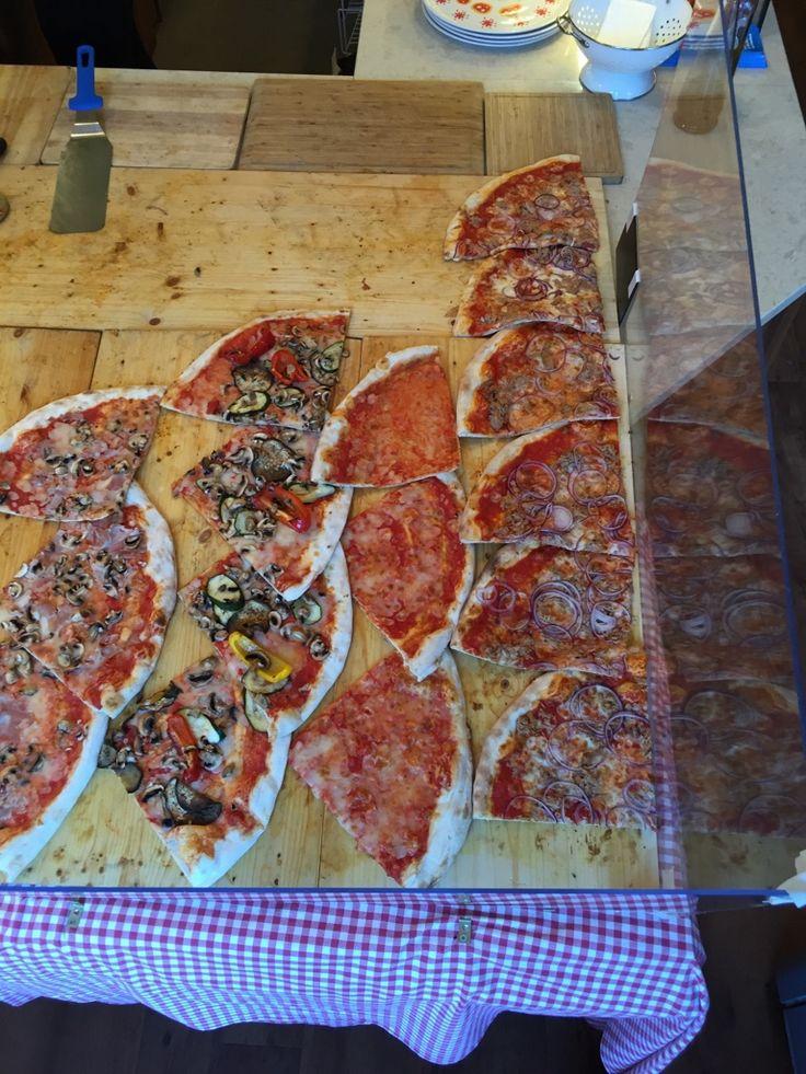 #Steinofen #Pizza #Mehringdamm #Kreuzberg #Restaurant #TuttoMatto #Italia #TuttoMattoItalia #Berlin