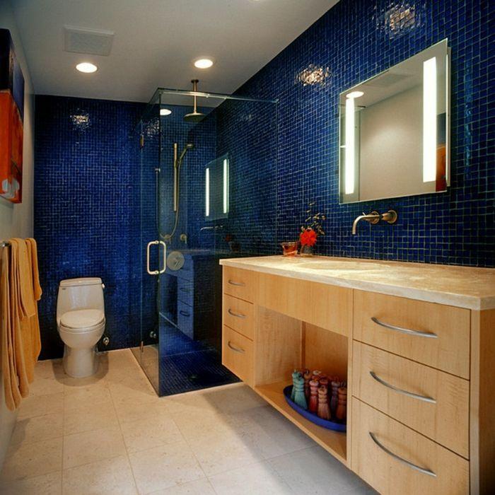 Die besten 25 blaue badezimmerfliesen ideen auf pinterest for Blaue bodenfliesen bad