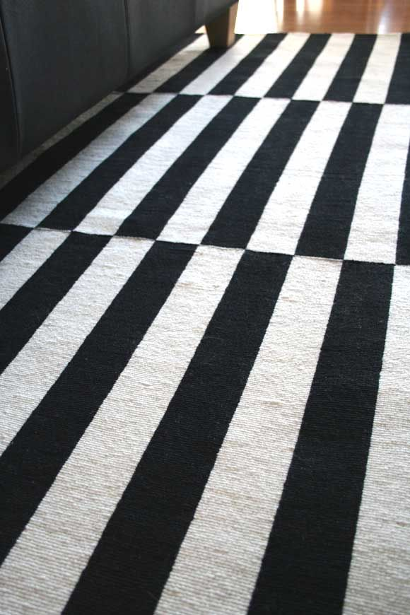Via Hydrangea | Ikea Stockholm Rug | Black and White