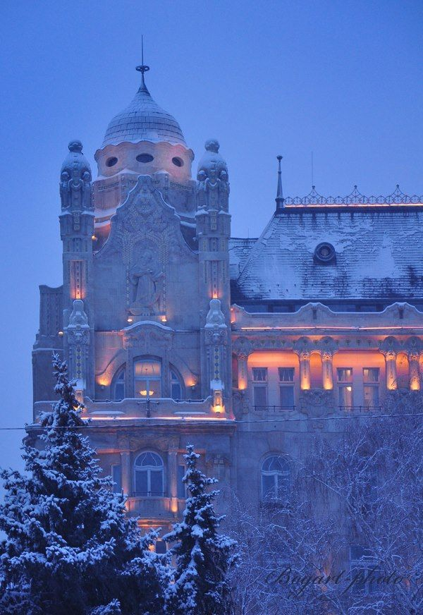 BUDAPEST, Gresham Palace http://www.facebook.com/photo.php?fbid=438776216193375=a.131594550244878.23156.130620647008935=1