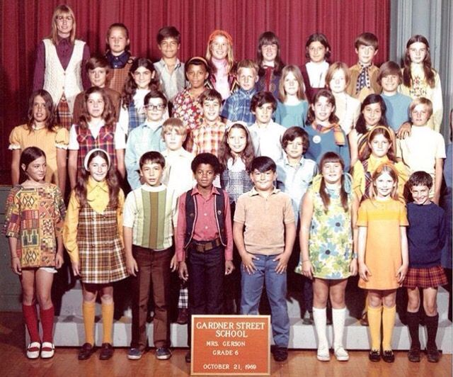RARE : Michael Jackson in 6th grade. I'll be that girl on the left looking at Mike instead of looking at the photographer lmao! | Curiosities and Facts about Michael Jackson ღ by ⊰@carlamartinsmj⊱